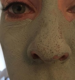 mud mask close